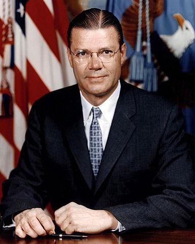 [Imagen] - Robert McNamara (Departamento de Defensa de EEUU)